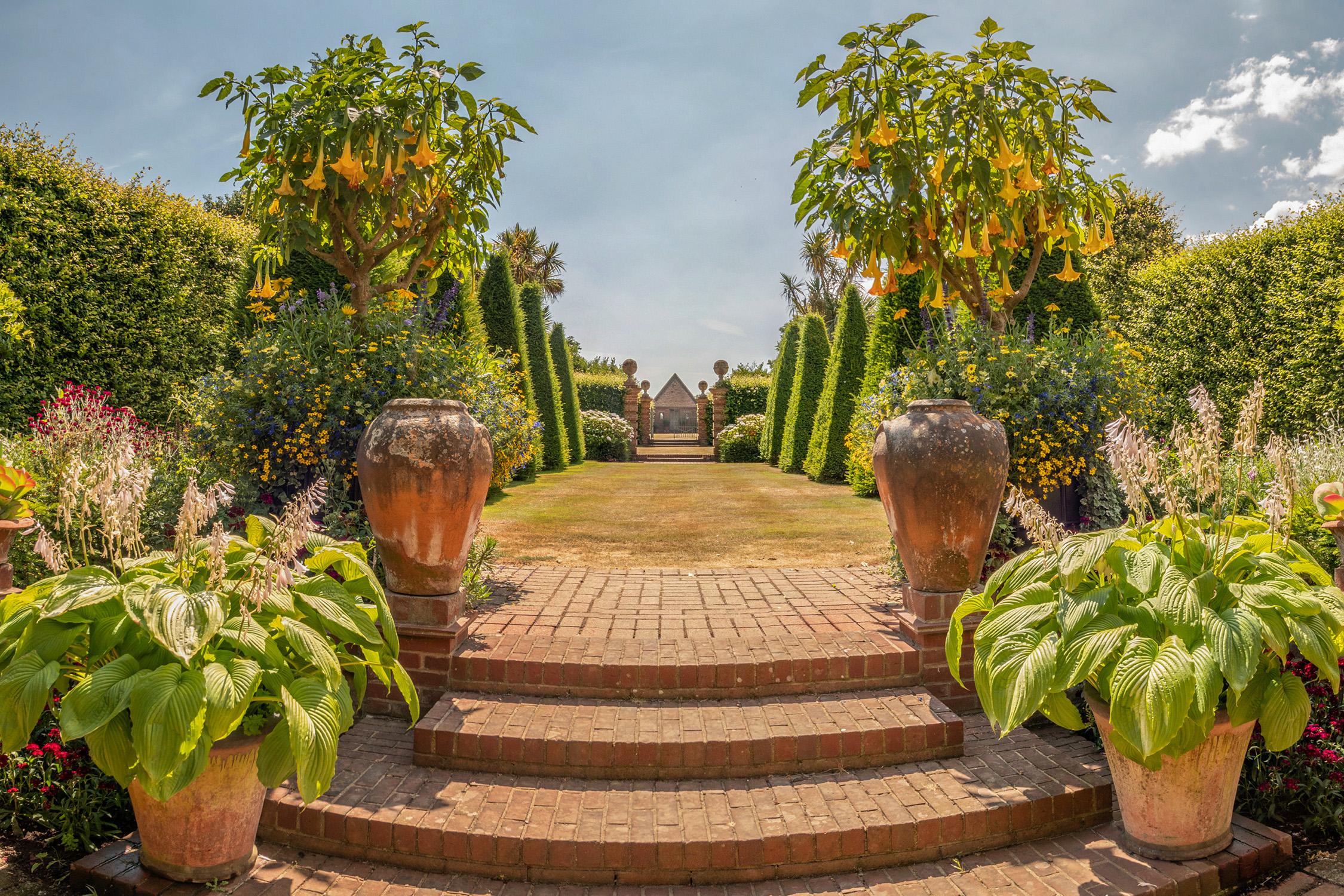 garden at EROV